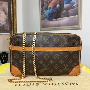 Louis Vuitton Compiegne 28 Shoulder Bag 💼